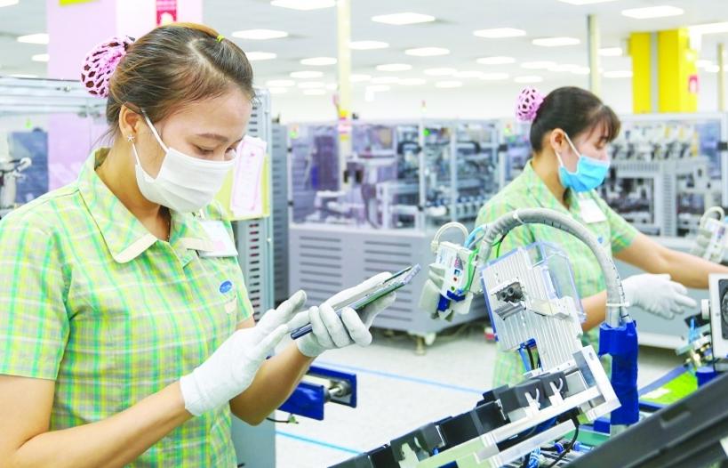 Nhiều doanh nghiệp vùng dịch quay lại sản xuất