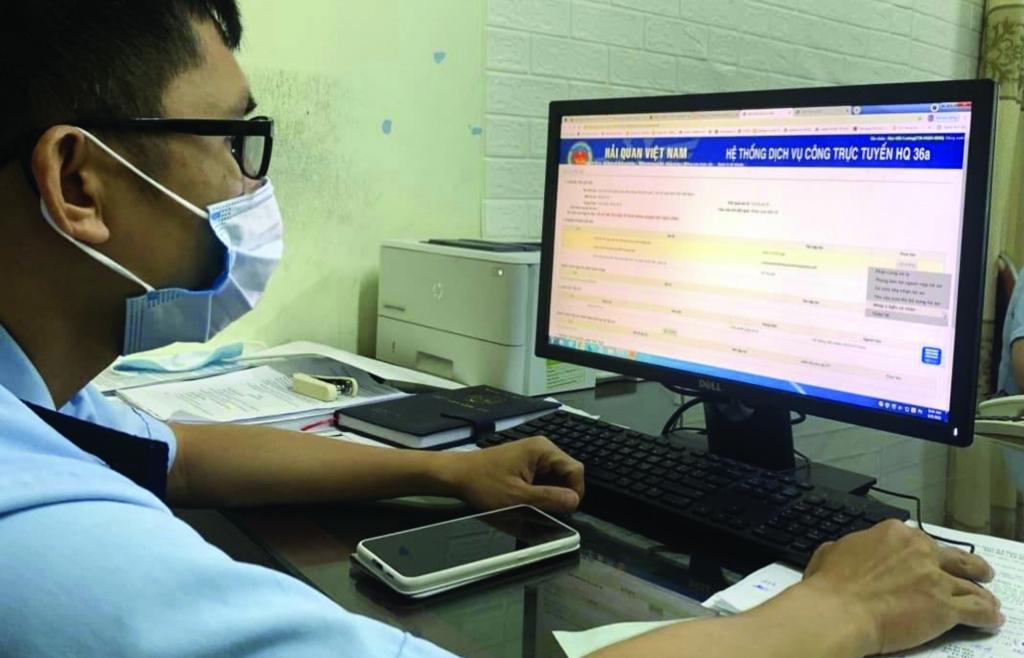 Hải quan Hà Tĩnh: Chủ động chống dịch, đảm bảo thông quan