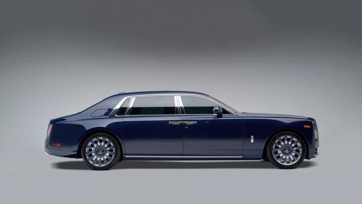 Nguồn cảm hứng bắt nguồn từ tình yêu của ông Smith và vợ ông với sự ấm áp và tính cách đặc trưng của gỗ Koa. Sự liên kết của ông với Koa bắt nguồn từ sâu trong gia đình, vì chiếc ghế bập bênh gỗ Koa đã trở thành tâm điểm trong nhà của họ trong nhiều năm. Ông Smith đã quyết tâm mang bầu không khí thân thuộc, ấm áp này vào nội thất của chiếc Rolls-Royce đặc biệt của mình.