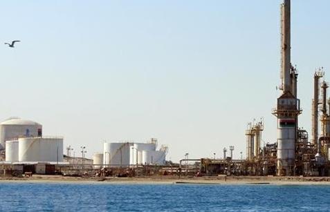 Giá dầu thô tại thị trường Mỹ chạm mức cao nhất trong gần 3 năm