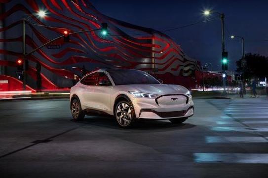 Top 5 chiếc SUV điện tốt nhất sẽ ra mắt vào 2021