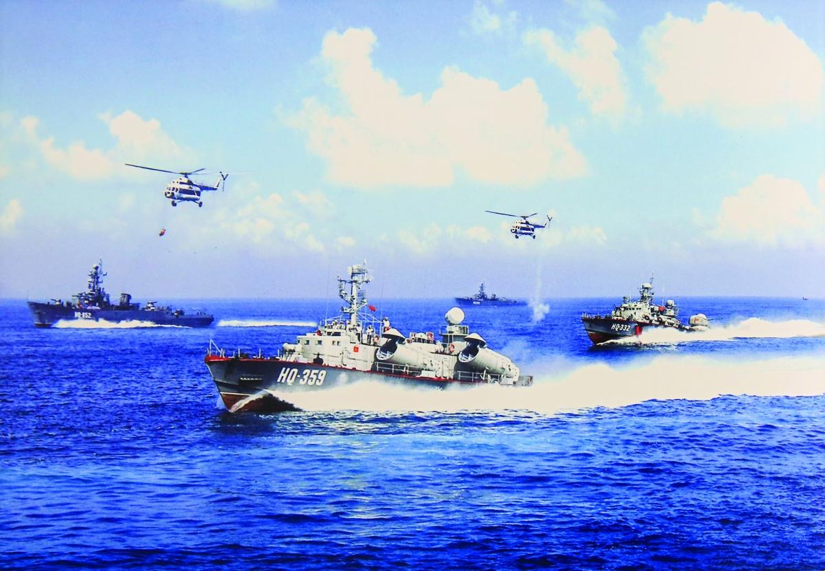 Hải quân và Không quân nhân dân Việt Nam huấn luyện hiệp đồng chiến đấu.